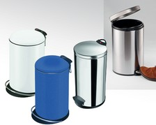 Tret-Abfalleimer aus Metall